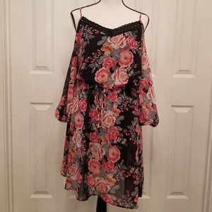 Floral szL cold shoulder Charlotte R boho dress